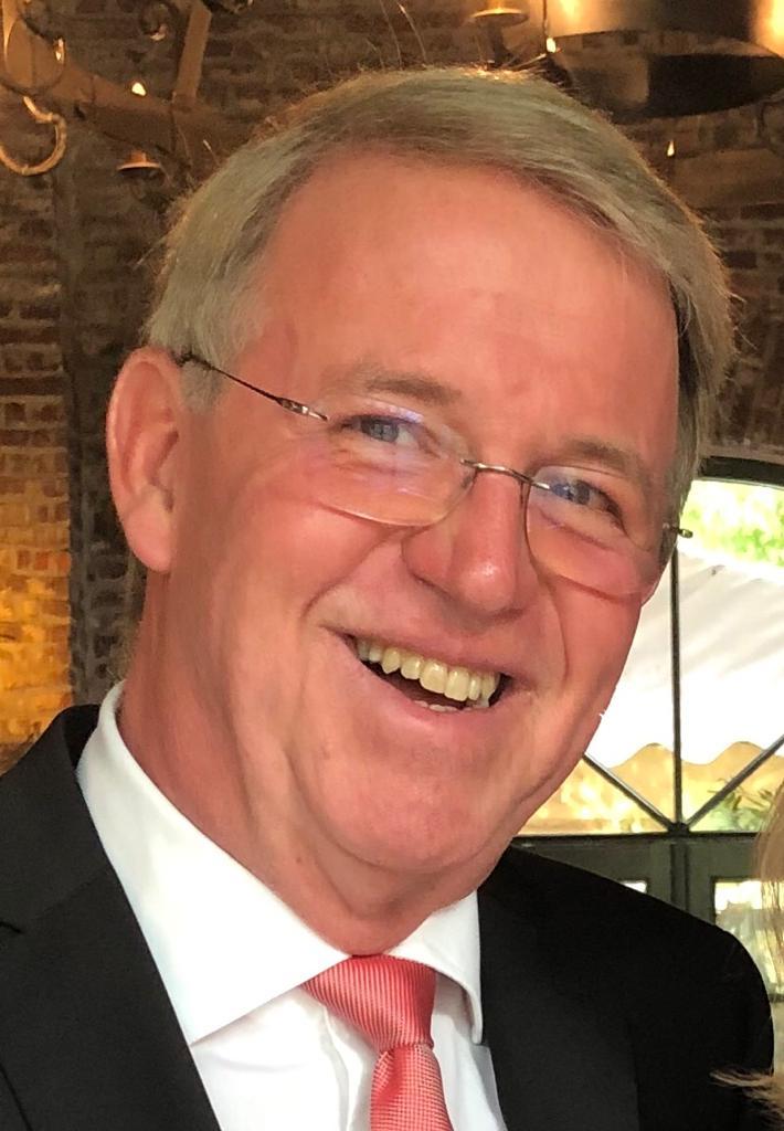Dr. Michael Reisen